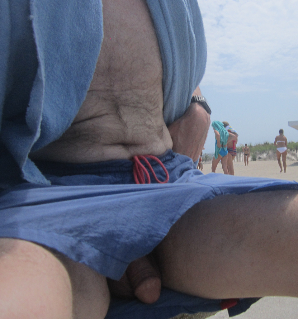 Upshorts dick flash excelent