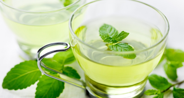 Green tea, lemon juice, mint
