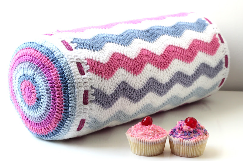Free Crochet Pattern Bolster Pillow : According to Matt...: Cute And Quick Projects.