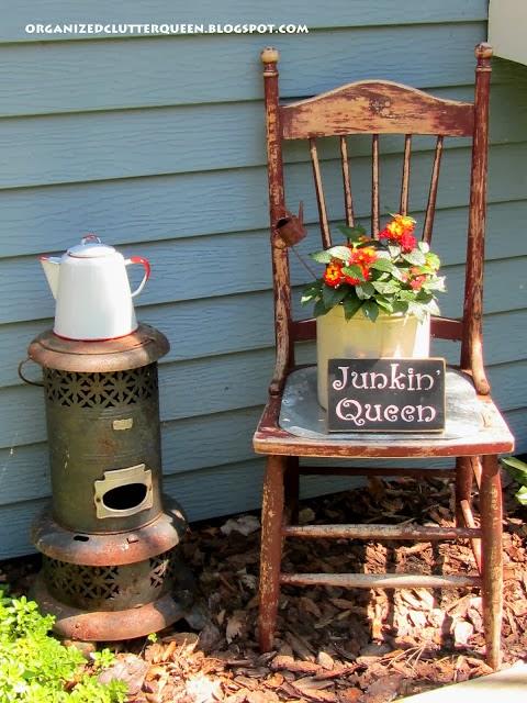 Junk Garden Chairs www.organizedclutterqueen.blogspot.com