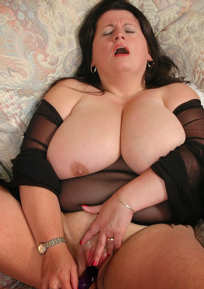 Фото порно мастурбация клитор 21 фотография
