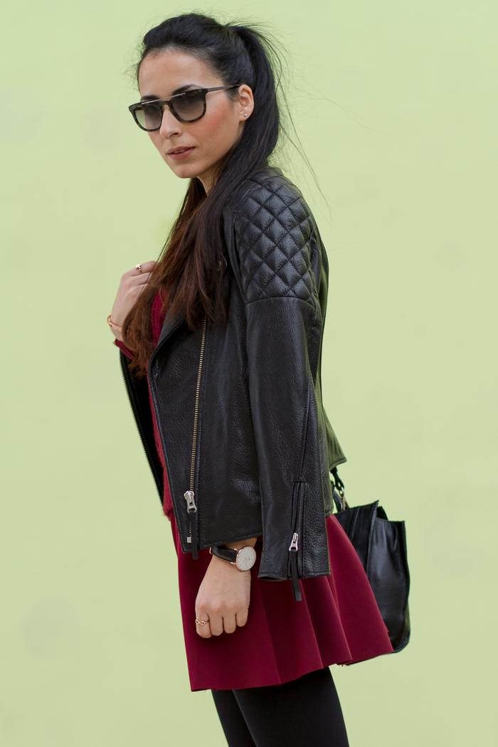 Chaqueta perfecto cuero H&M falda neopreno oxbloog granate Gafas de sol Prada 13PS estampado camuflaje