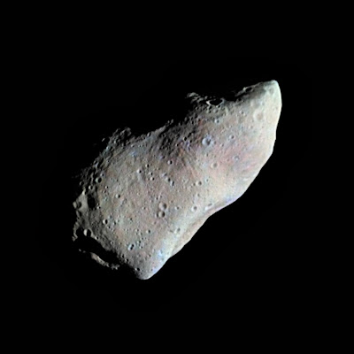 Gaspra, descubierto en 1916, se encuentra en el borde interior del cinturón de asteroides