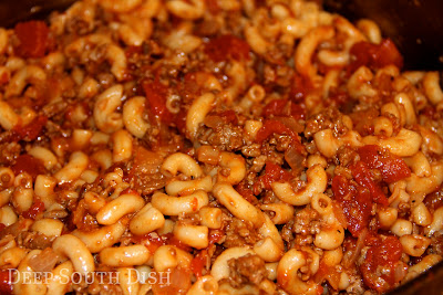 Ground Beef American Goulash - a quick and easy ground beef, macaroni ...