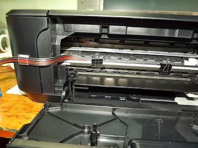mangueras saliendo de la impresora