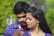 Nuvvena Adi Nivvena Movie Stills-thumbnail-3