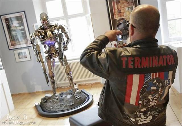 http://2.bp.blogspot.com/-tNQJSPxSqJw/TpVcpvLfmbI/AAAAAAAAjf8/5yVpKQOs9wI/s1600/Schwarzenegger-Museum-005.jpg