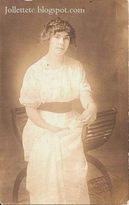 Lacuta Powell Parrott