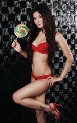 Foto Hot Seksi Novi Amalia