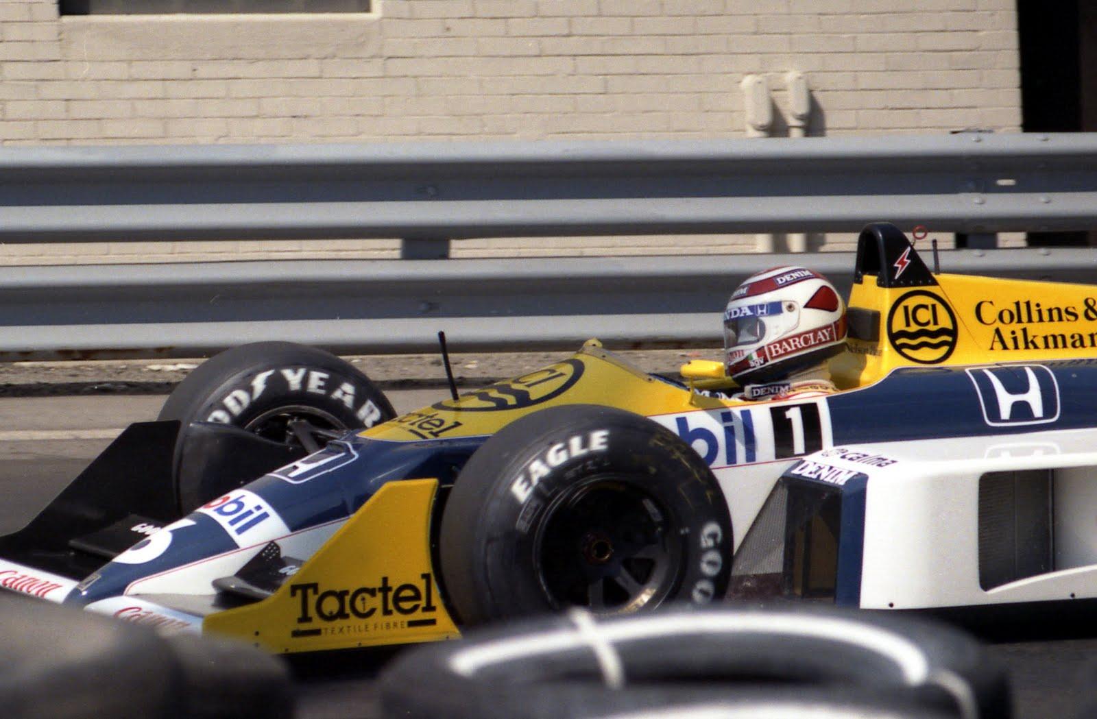 http://2.bp.blogspot.com/-tNjNrJDtQ10/TksOUuYbTDI/AAAAAAAAI7Y/8-m5E3YelS8/s1600/1987+%25236+Nelson+Piquet+Williams+FW11B+Detroit+%25282%2529.jpg