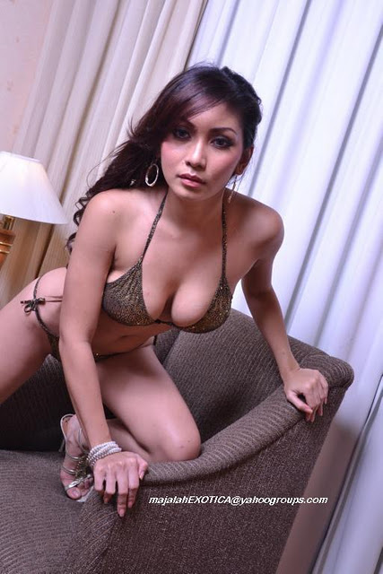 Foto Hot Sexy Bugil Artis Telanjang Baby Margaretha Memakai Bikini