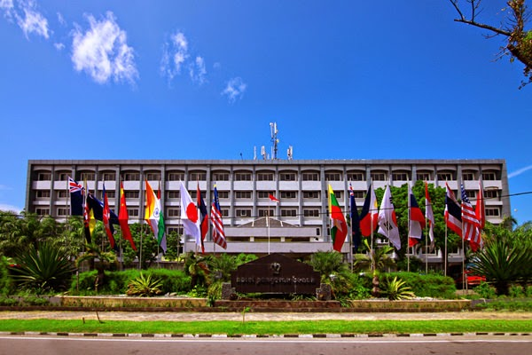 Gedung Hotel Pangeran Beach Padang Hotel Berbintang Empat Terbaik