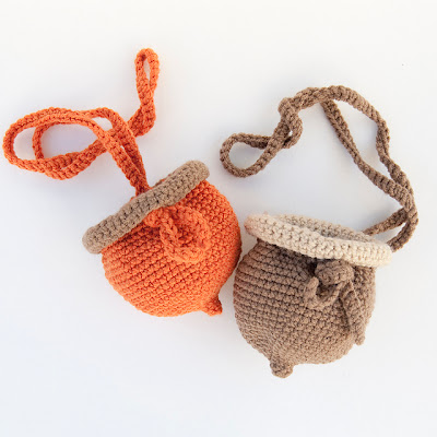 free crochet pattern acorn bag