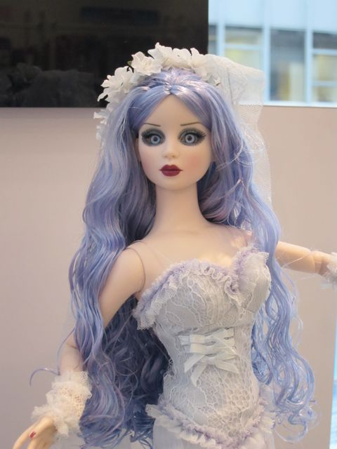 Tonner-Corpse-Bride-Doll