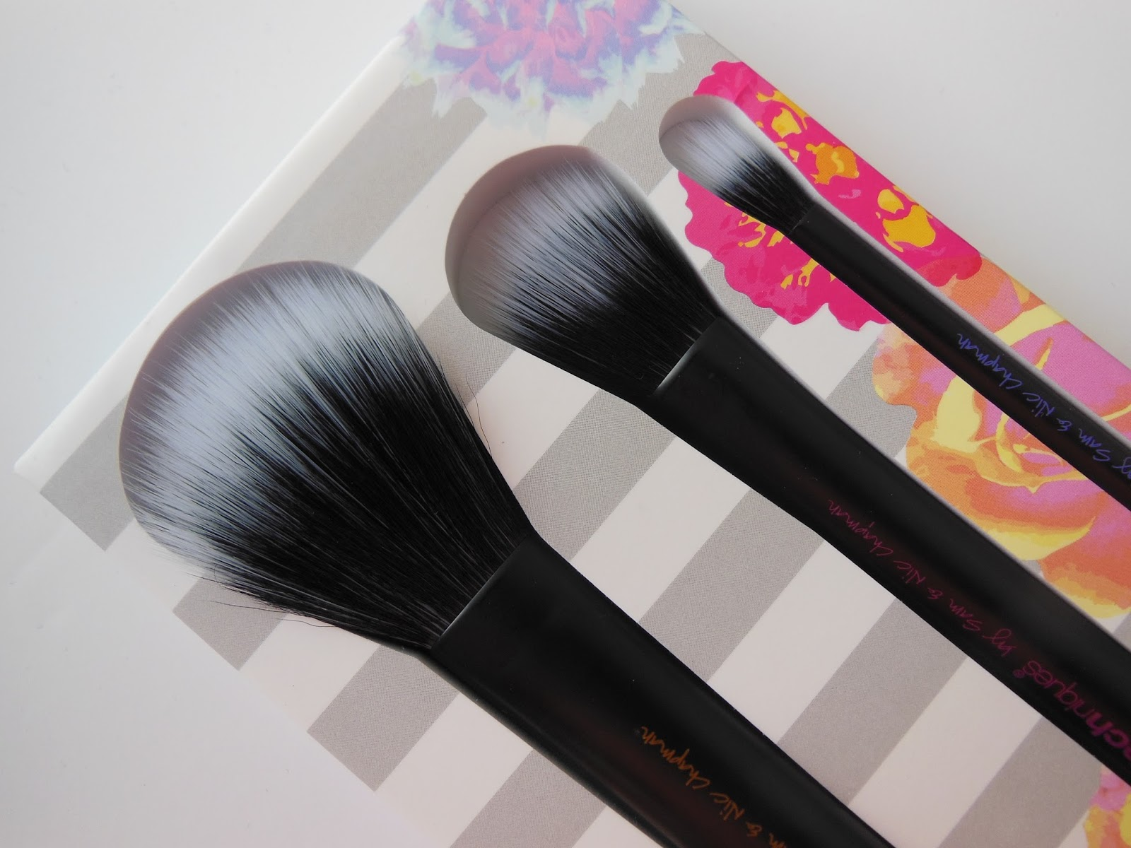 Real Techniques limited edition duo fibre brush set close up