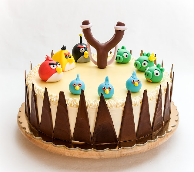 Angry birds chocolate orange cake with fondant figurines with tempered chocolate