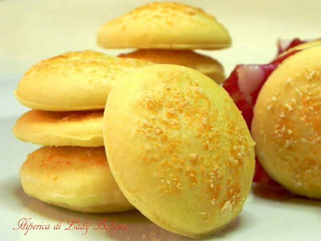 hiperica_lady_boheme_blog_di_cucina_ricette_gustose_facili_veloci_panini_al_formaggio_4