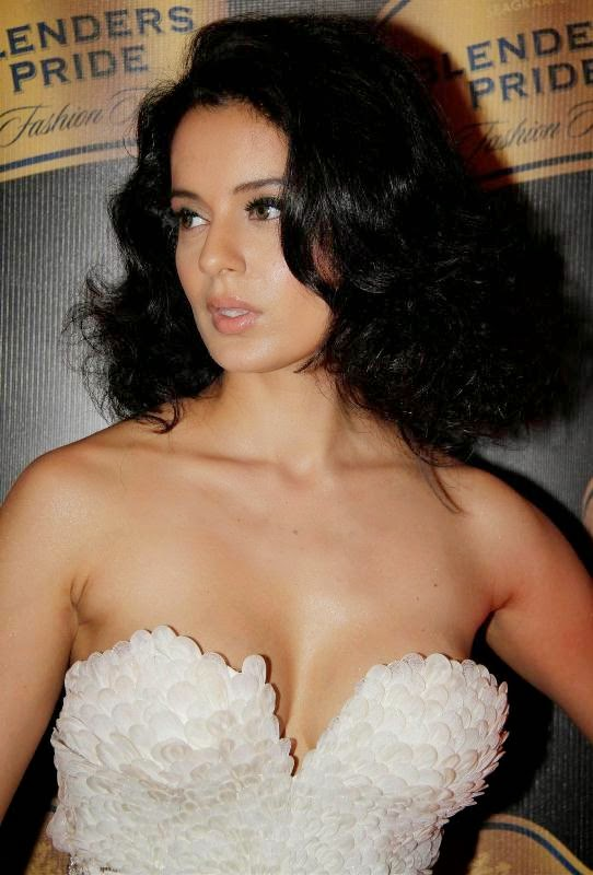 Kangana Ranaut latest sexy photos, Kangana Ranaut latest sexy wallpapers, Kangana Ranaut sexy dress, Kangana Ranaut unseen photos