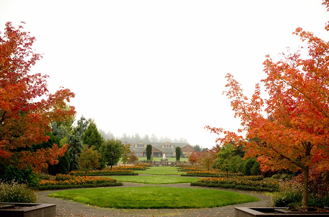 Last October We Celebrated Our Four Year Anniversary In Oregon. We Found A  Deal Through Travelzoo To Stay At The Beautiful Oregon Garden Resort In  Silverton ...