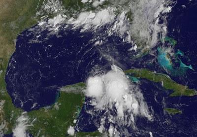 Standhaftes Tiefdruckgebiet in der Karibik könnte vor Yucatán zum Tropischen Sturm DON werden, 2011, aktuell, Atlantik, Cancún, Don, Hurrikansaison 2011, Karibik, Kuba, Live Stream Satellitenbild, Mexiko, NASA, Riviera Maya, Touristen, Video Stream, Yucatán,