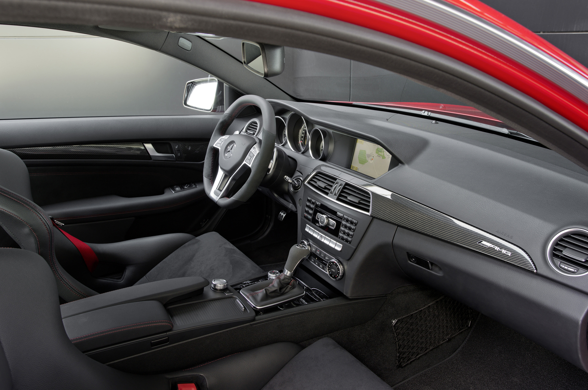 Mercedes Benz C63 Amg Black Series Coupe Dtm Safety Car