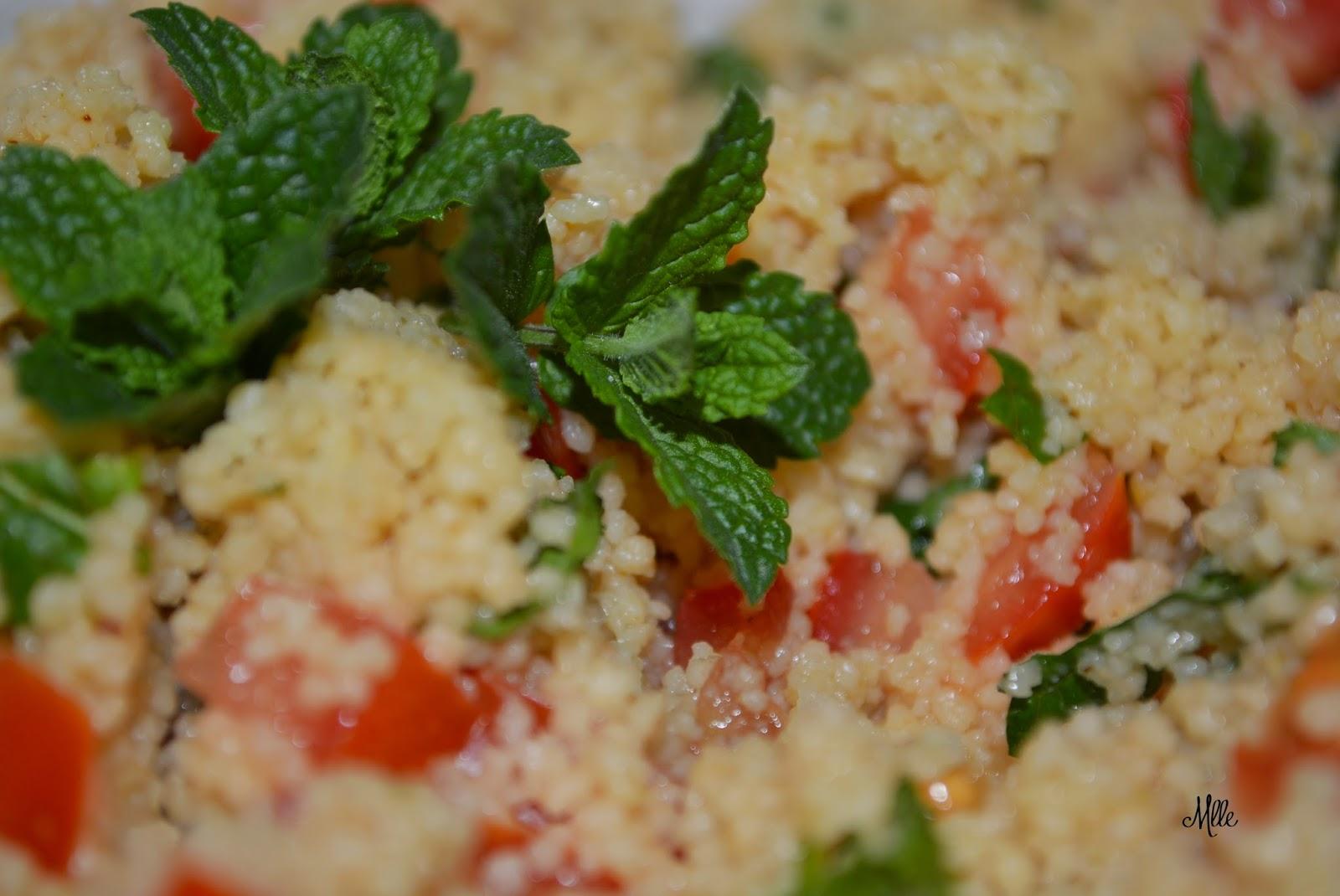 http://mademoisellepetitpoint.blogspot.de/2014/07/frischer-couscous-salat-mit-minze-und.html