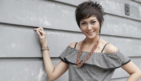 Fenita menikah dengan mantan VJ MTV/aktor Arie Untung pada tanggal 5