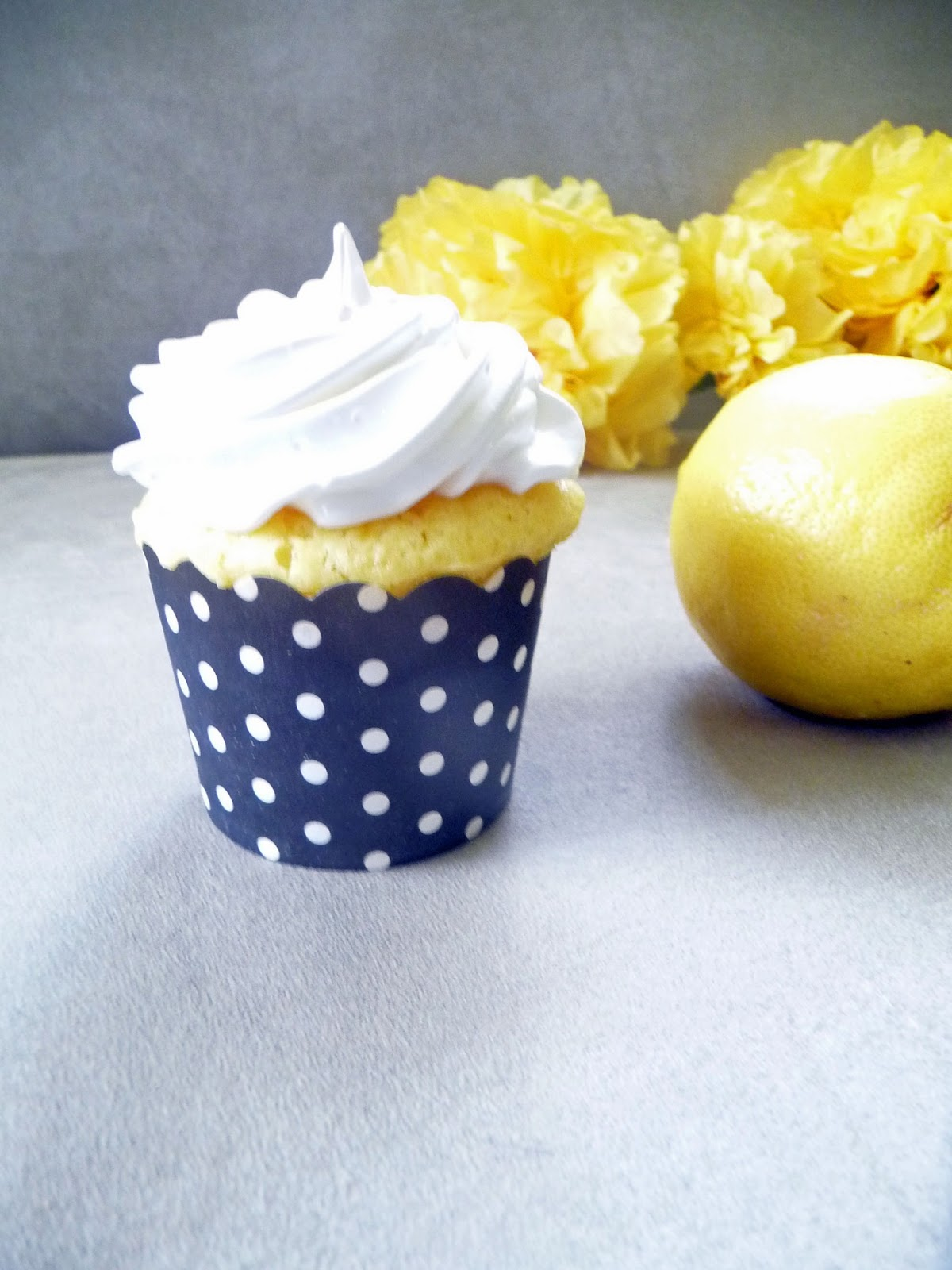 Life Tastes Good: Lemon Cupcakes with Cream Cheese Frosting