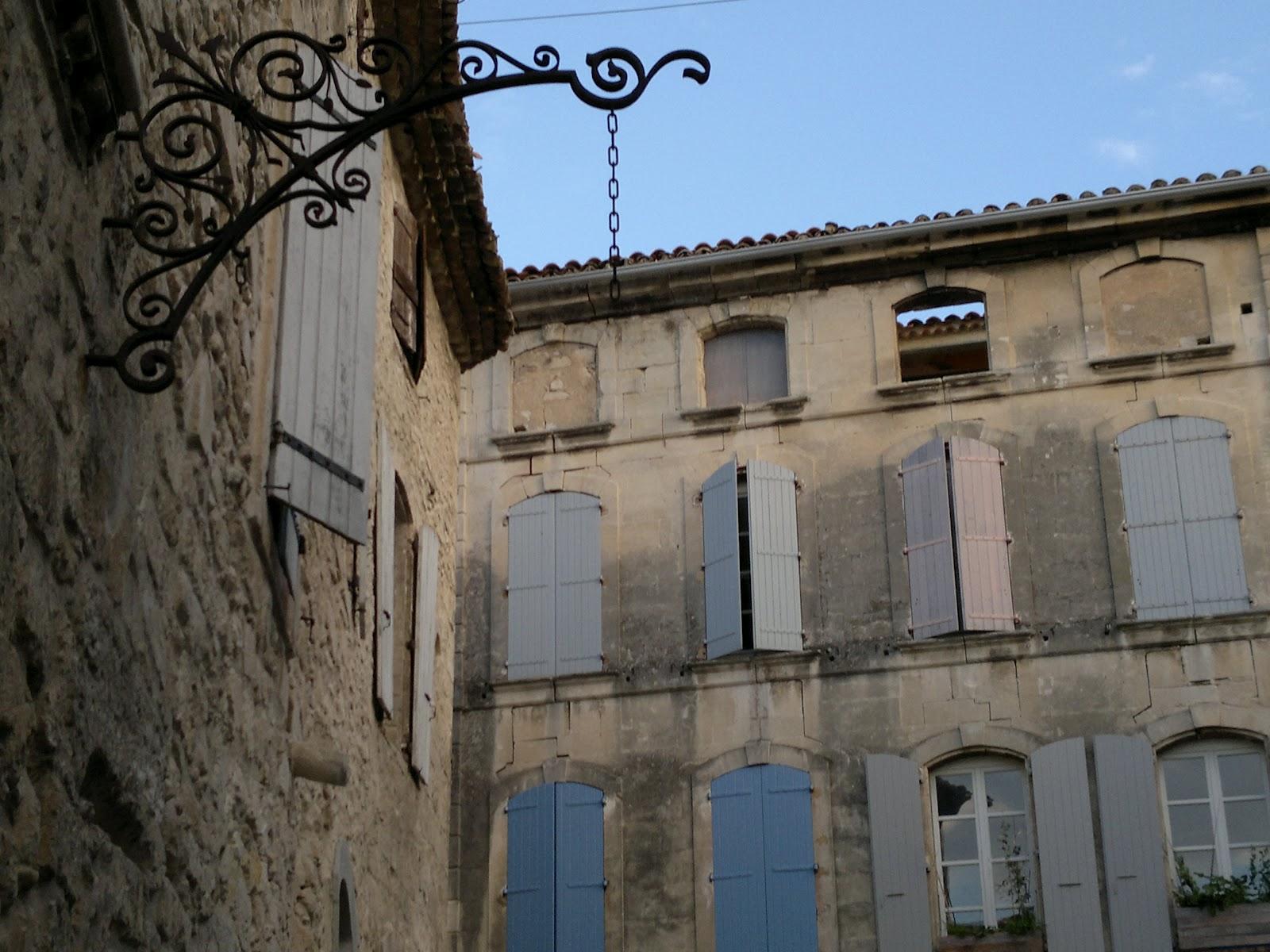 My favourite french villages saint paul trois chateaux - Saint paul trois chateaux piscine ...