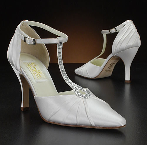 Cosmetics White Bridal Shoes Images