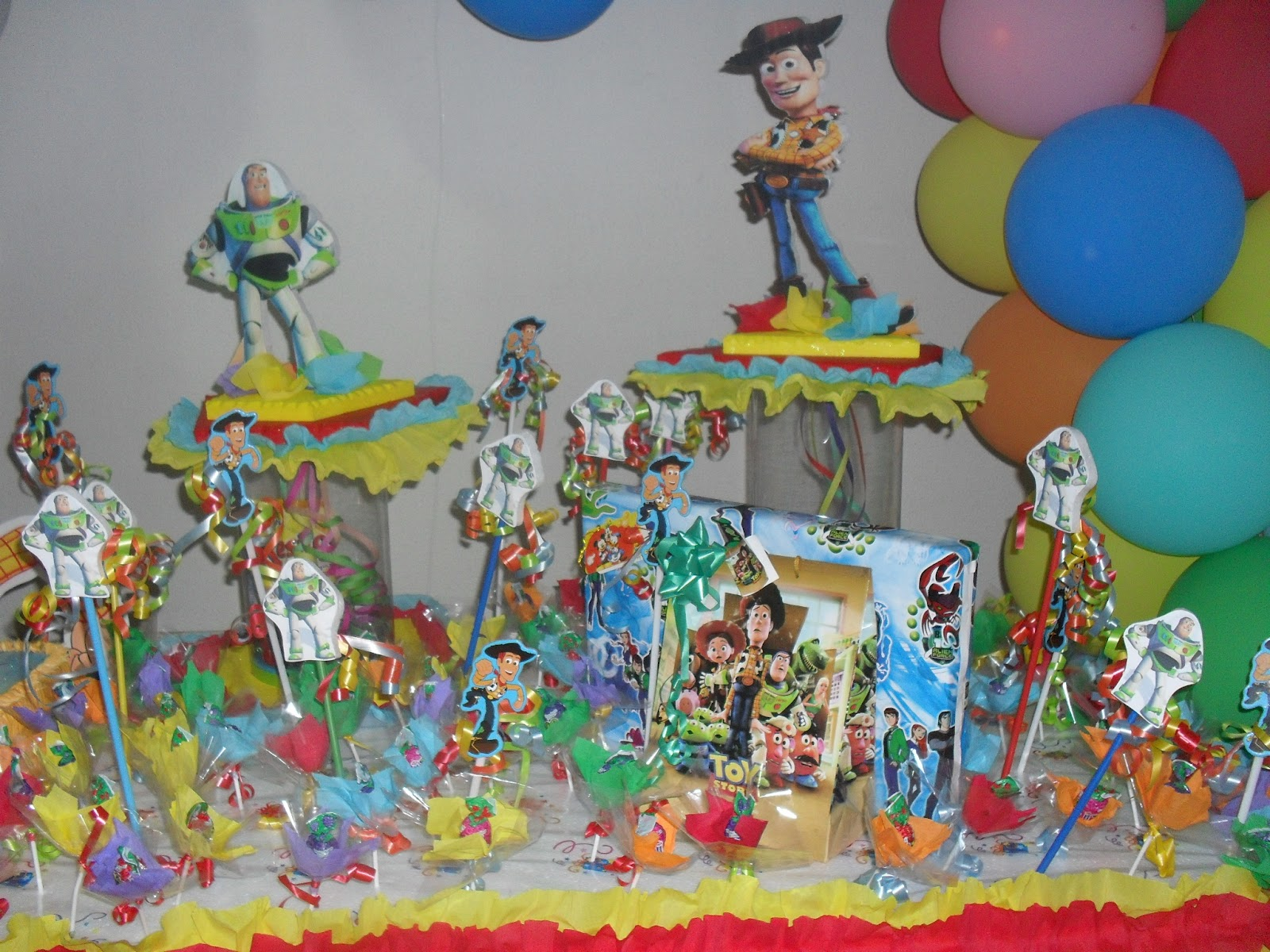 "Party & Piñatas ""Variedades Dana's"": Toy Story"