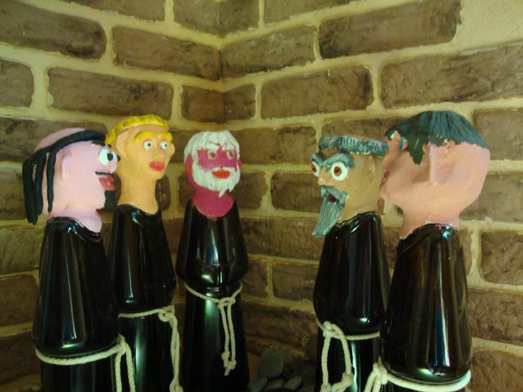 monjes charlando