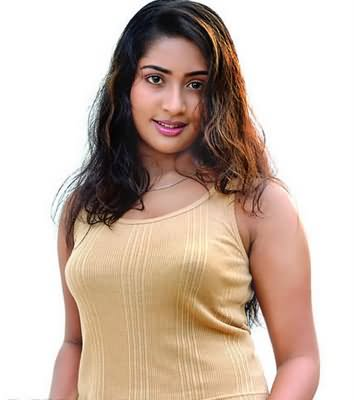 Hot Navya Nair sexy blouse images