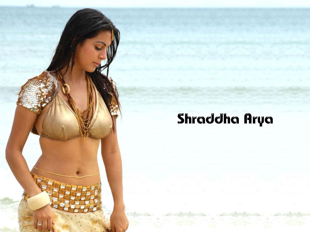 http://2.bp.blogspot.com/-tQ0EINdHIE4/TdDw-lej2WI/AAAAAAAAALw/5VNntdJG2oQ/s1600/Shraddha+Arya+Wallpaper2.jpg