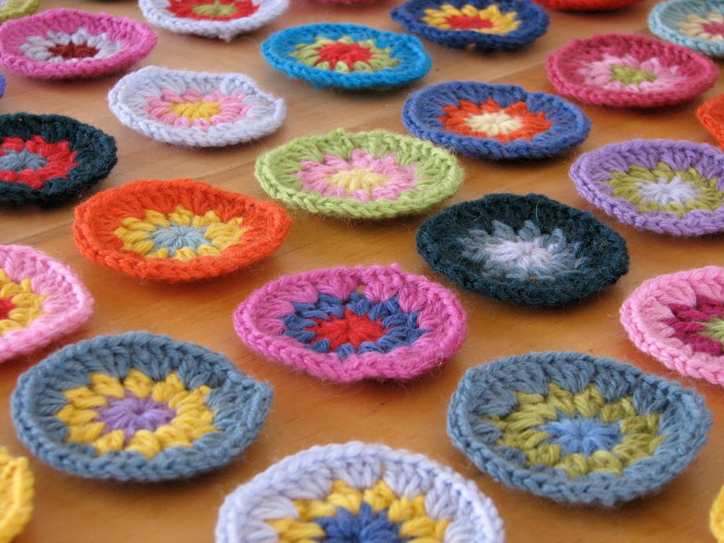 Knitting patterns free granny square crochet