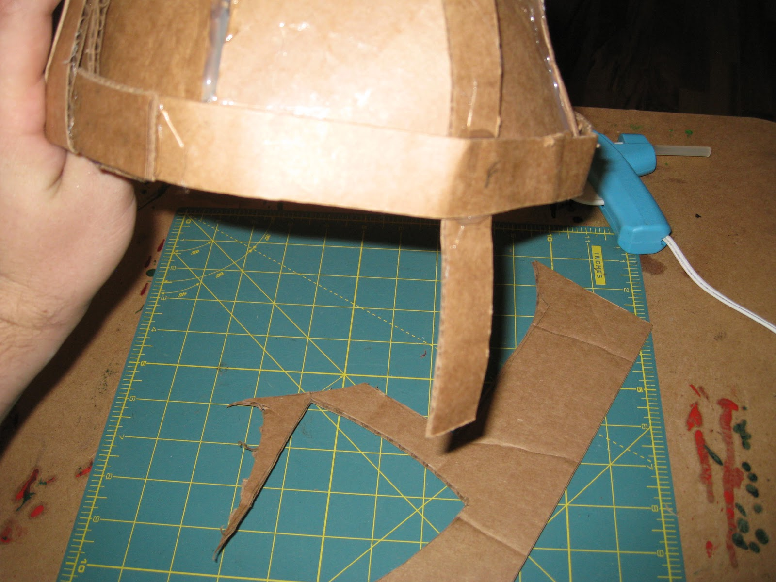 how to make a cardboard mask step by step