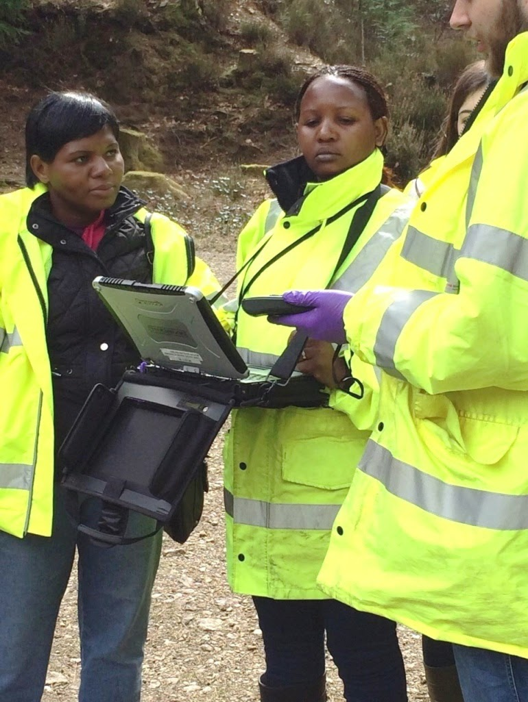 CSCUK fellows collecting field samples in Devon, Salome Mkandawire (left) and Grace Manzeke (right)