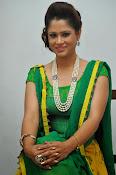 Shilpa chakravarthy sizzling photos-thumbnail-8