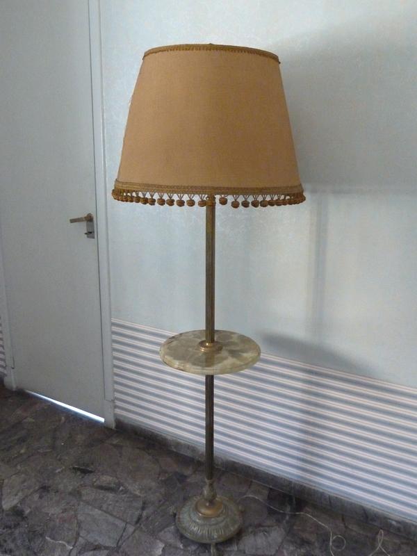 Instinto originales muebles para usar de nuevo l mpara - Lamparas de pie con mesita ...