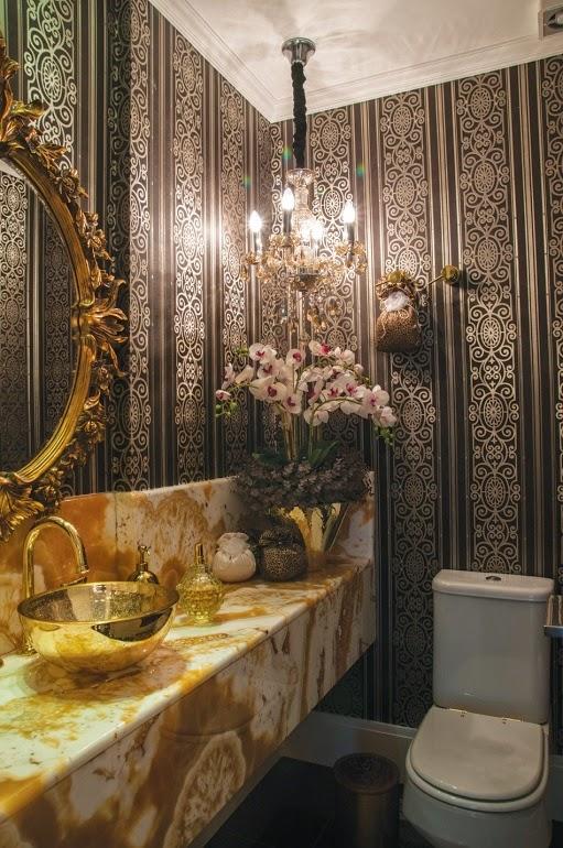 decoracao lavabo papel de parede : decoracao lavabo papel de parede:Lavabo com papel de parede em arabesco preto + cuba de apoio, torneira