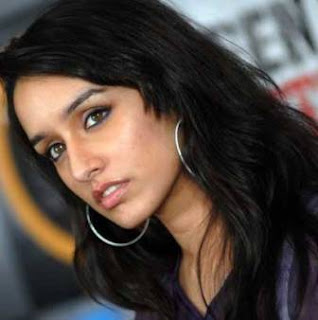 latest 'mages and photogaph of Shraddha' Kapoor of aassiqui 2