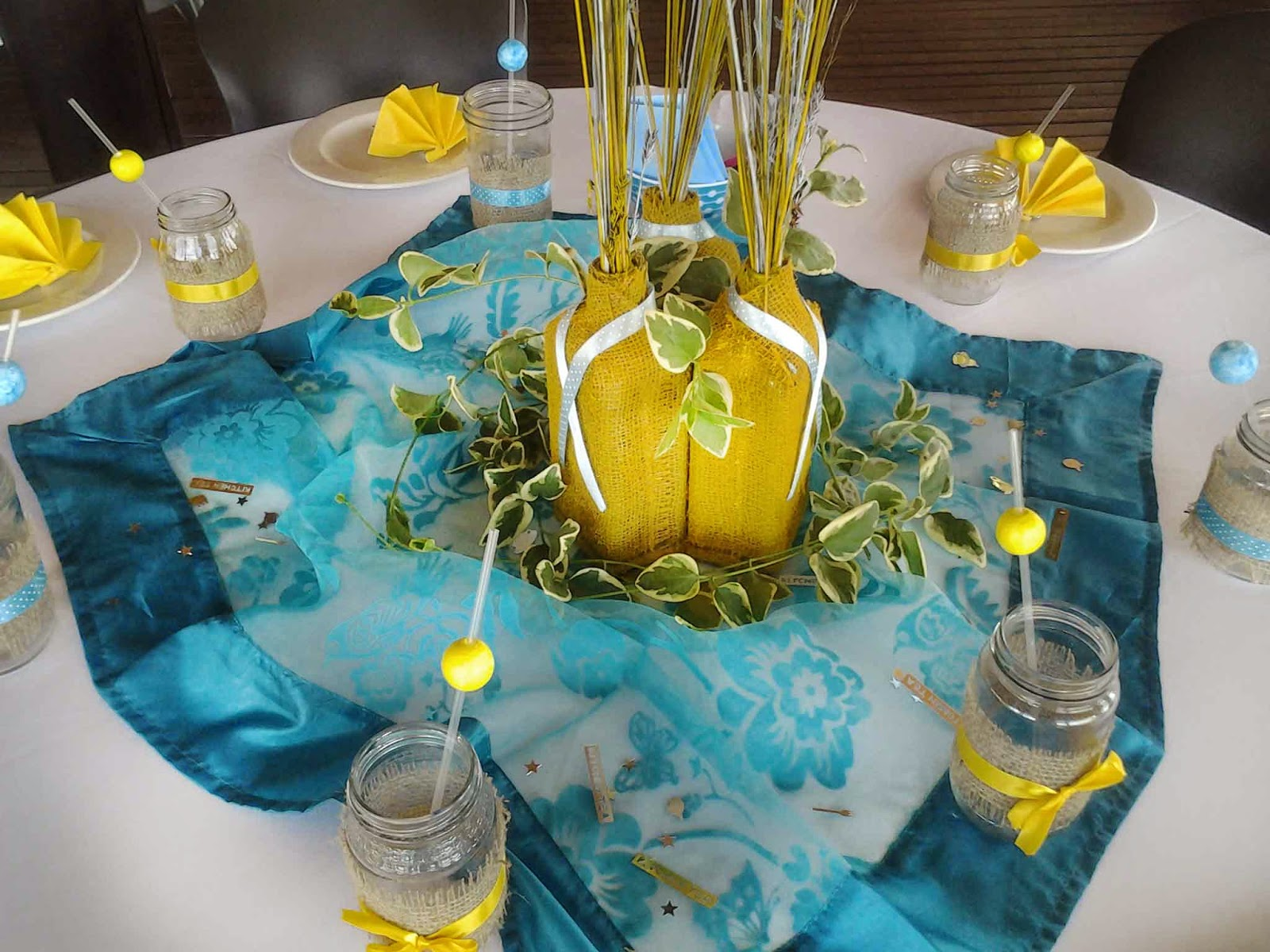 Waterfront Lodge Table decor Lemon