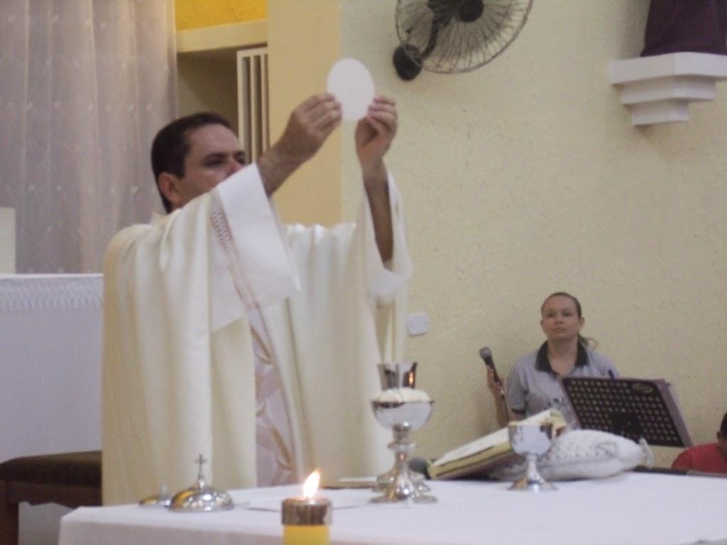Imagens da Santa Missa do Lava Pés