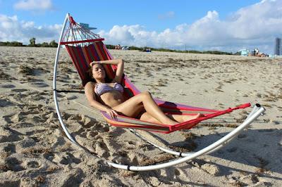На пляж со своим гамаком