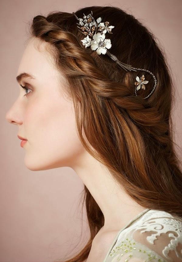 El pelo de la novia debe de ser tratado por un profesional para darle vida, luminosidad y que el día de la boda esté espectacular. Los peinados espontáneos
