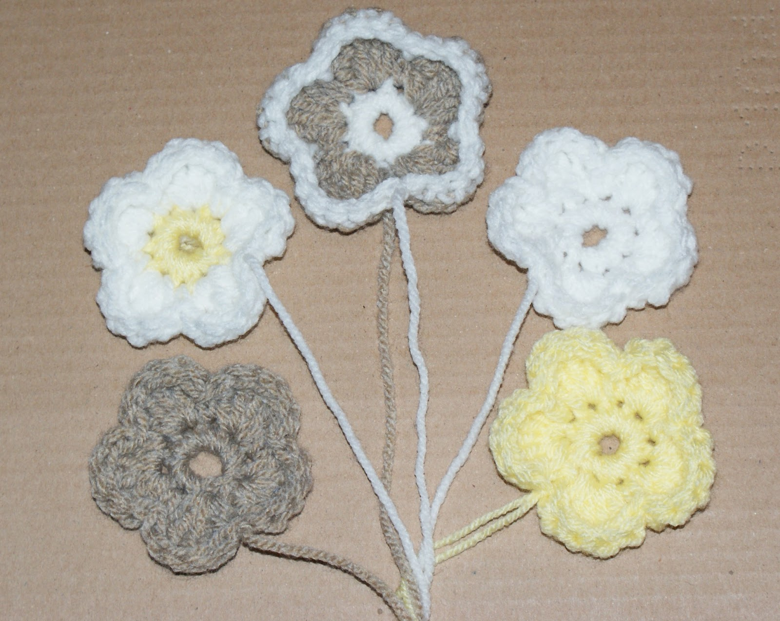 crochet magic for all: Day 22. Chunky five petal curved flower