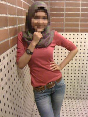Menghilangkan hijab (penutup)