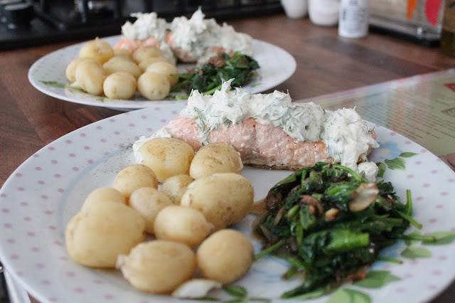 Hello Fresh Pan-Fried Salmon with Dill Creme Fraiche and New Potatoes