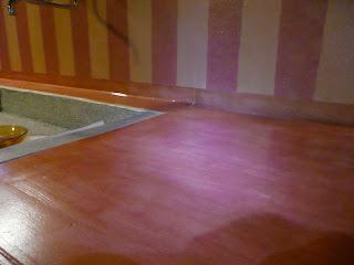 Decomondo 2011 - Resina in cucina al posto delle piastrelle ...