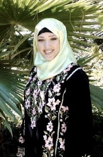Wanita Non Muslim Amerika ini Memilih Memakai Jilbab